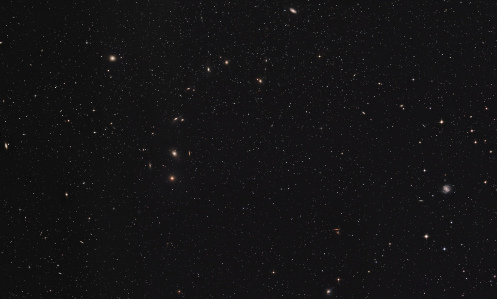 The Virgo/Coma cluster of galaxies featuring Markarian's Chain