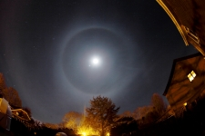 Lunar halo over the New Forest Observatory