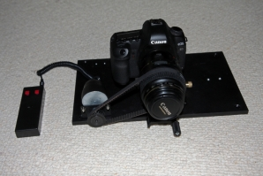 Electric focuser for the Canon 5D MkII